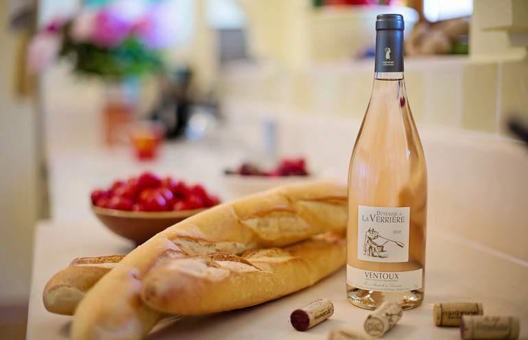 Розовое вино аппелласьона Ventoux